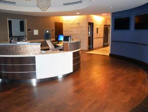 FSI commercial flooring for Forest Park Medical Center reception
